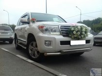 Toyota Land Cruiser 200 с водителем
