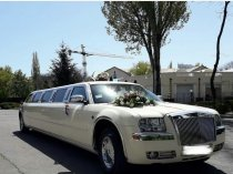Chrysler 300C лимузин.