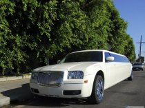 Лимузины Lincoln Town Car, Hummer H2, Chrysler 300c